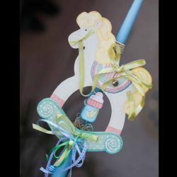 Πασχαλινή Λαμπάδα χειροποίητη με αλογάκι - κρεμάστρα