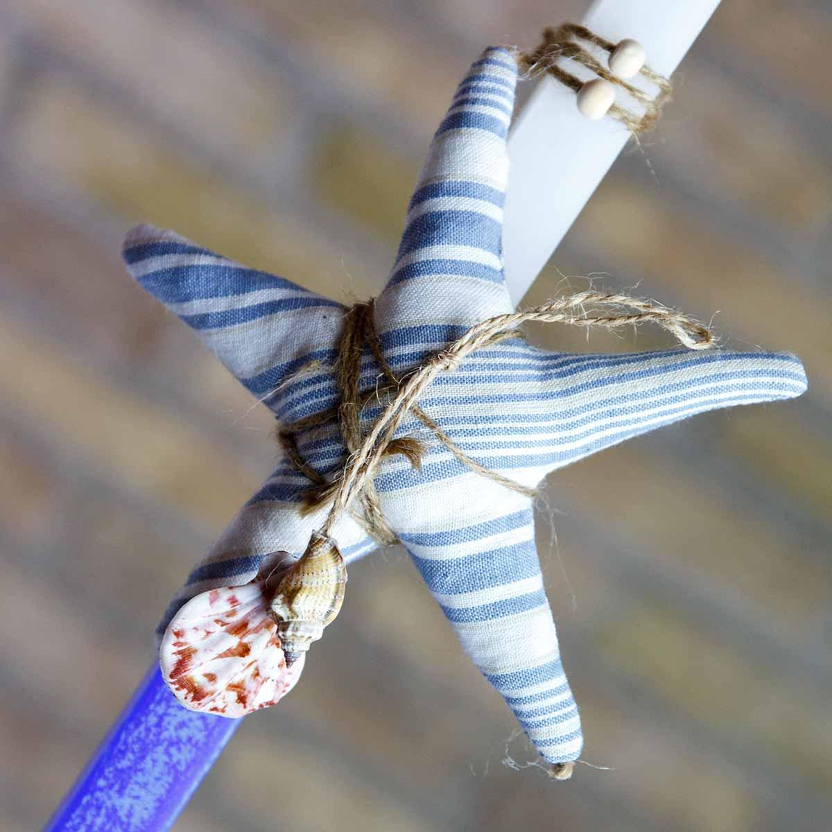 Πασχαλινή Λαμπάδα χειροποίητη με μπλε αστερία