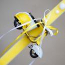 Λαμπάδα με κίτρινη μεταλλική βέσπα