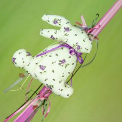 Λαμπάδα με πάνινο λαγουδάκι, ύψους 30cm